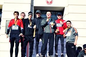 Silna grupa z Szydłowca pobiegła w radomskim biegu Kazików