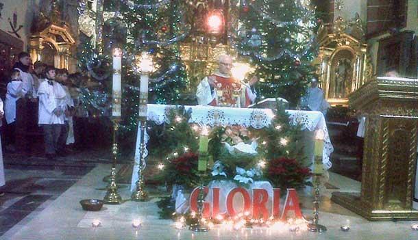 """""""...każdy ma swoją tajemnicę, tą tajemnicą jest potrzeba miłości..."""" - Boże Narodzenie 2012 - Szydłowiec"""