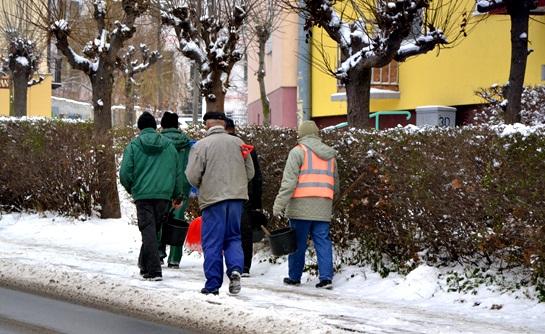 Zimowe obowiązki mieszkańców Szydłowca