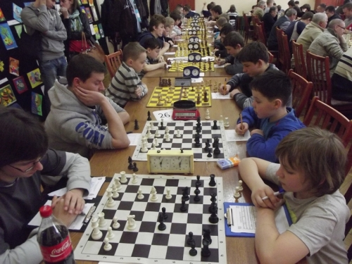 Walczyli o tytuł najlepszego szachisty Ziemi Odrowążów