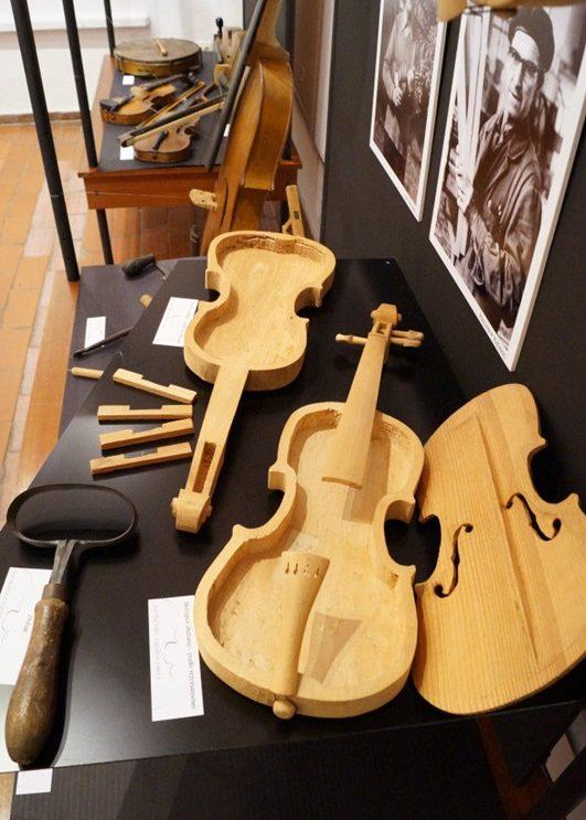 """""""Przez trzy pokolenia"""" – przedstawia Muzeum Ludowych Instrumentów Muzycznych"""