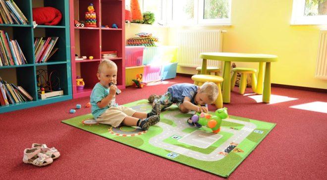 Maluchy świetnie bawiły się w Regionalnym Centrum Biblioteczno – Multimedialnym