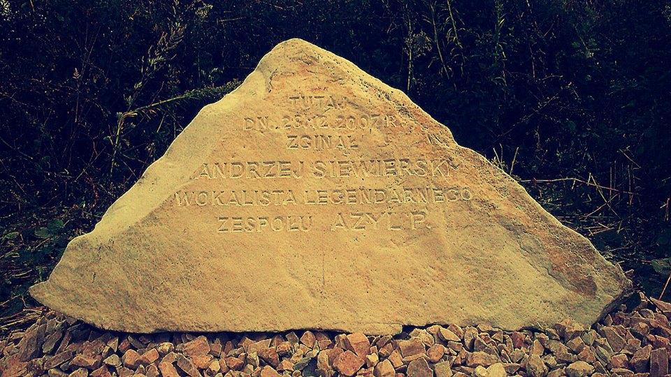 Kamień pamięci o Andrzeju Siewierskim
