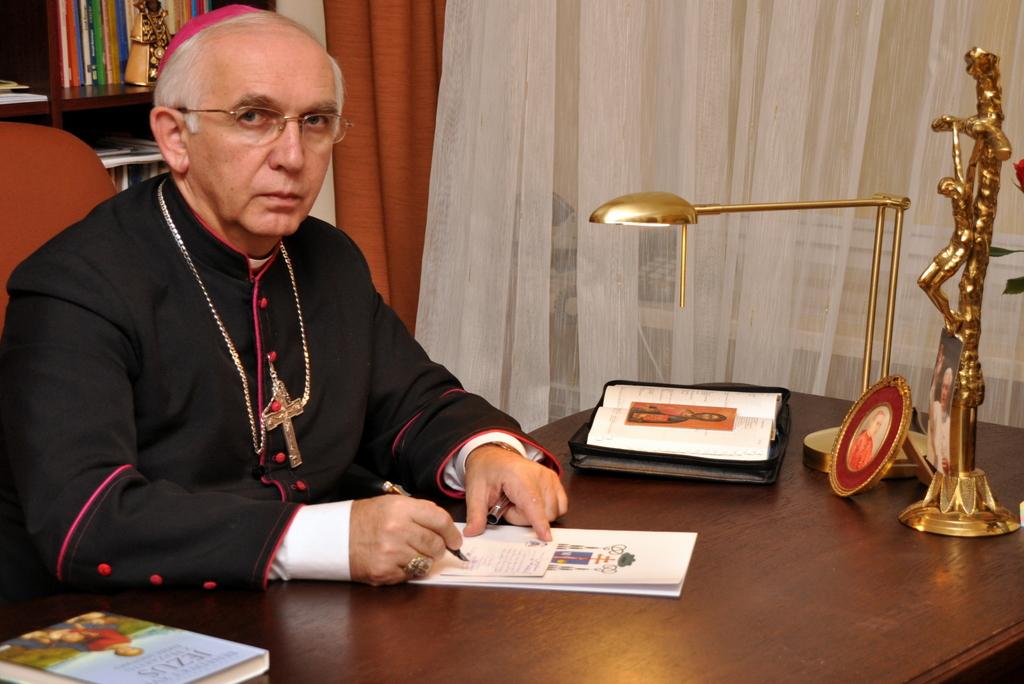 Arcybiskup Wacław Depo do dziennikarzy