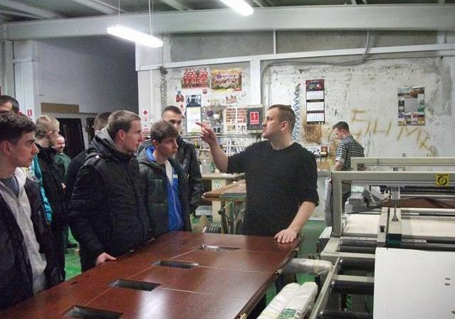 Wycieczka do zakładu stolarskiego