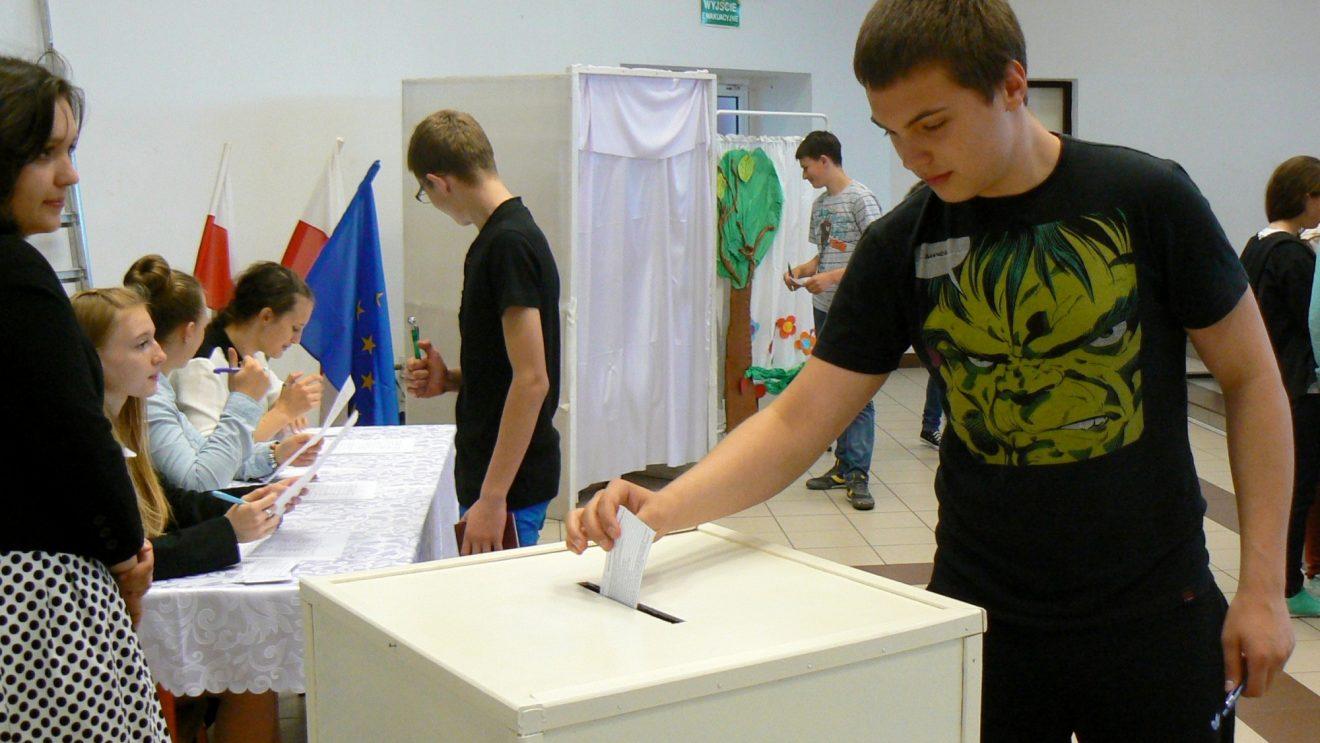 Młodzi głosowali w Szydłowcu