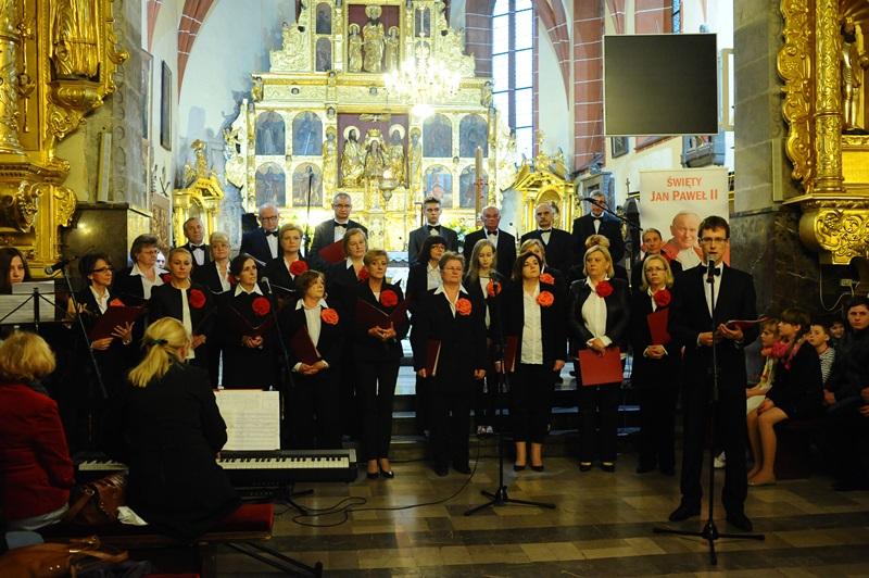 Chór Miasta Szydłowca zaśpiewał dla św. Jana Pawła II