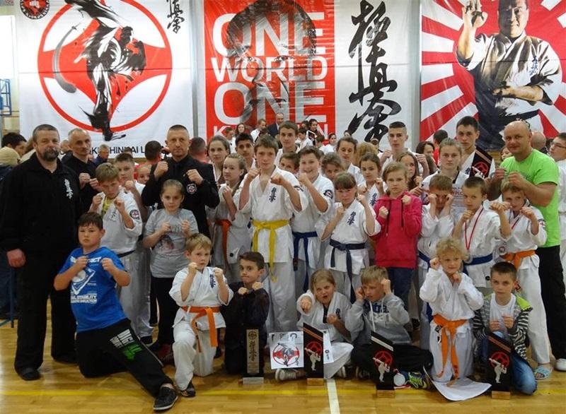 """""""One World One Kyokushin"""" – 4 medale dla Szydłowca!"""