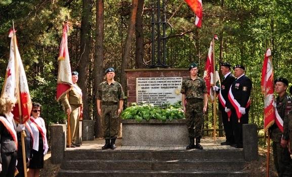 Pamięć o poległych w 70-tą rocznicą Bitwy pod Ciechostowicami