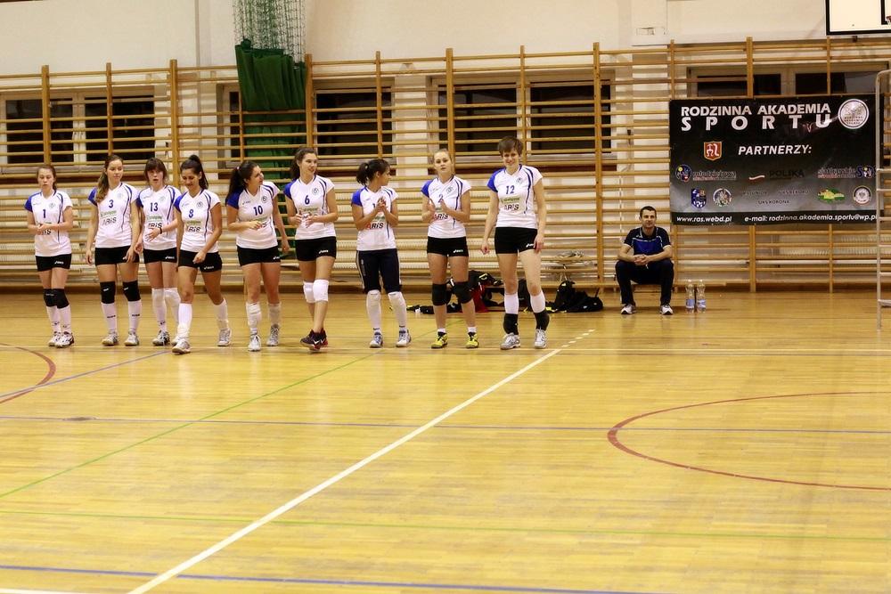 Kolejne zwycięstwo RASzóstki w trzeciej lidze siatkówki