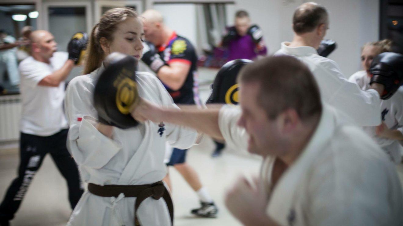 Bokserski trening karateków z MUSHIN