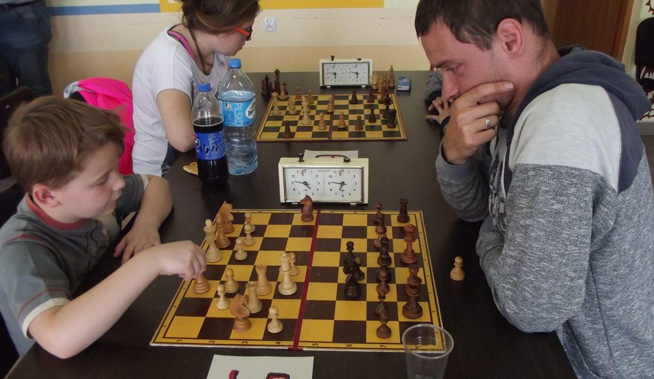 Pierwszy turniej szachowy w Warsztatach Terapii Zajęciowej