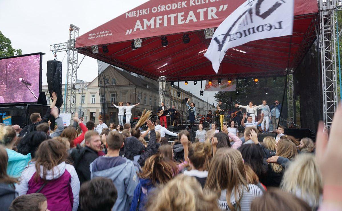 Młodzież z Szydłowca uczestniczyła w Apelu Młodych w Radomiu