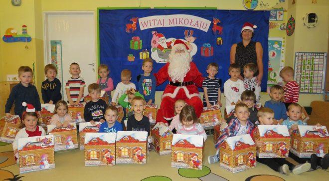 """Mikołaj odwiedził """"małych odkrywców"""""""