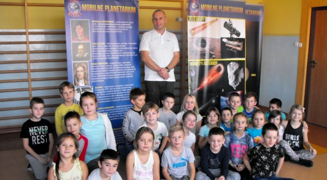 """""""Mobilne planetarium"""" w Sobieskim"""