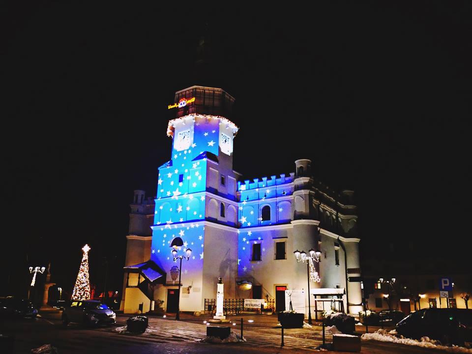 Rynek Wielki w Szydłowcu w świątecznych barwach