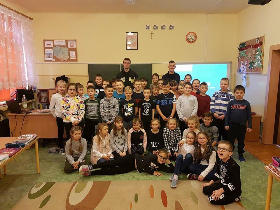 Druhowie szydłowieckiej OSP z wizytą u najmłodszych
