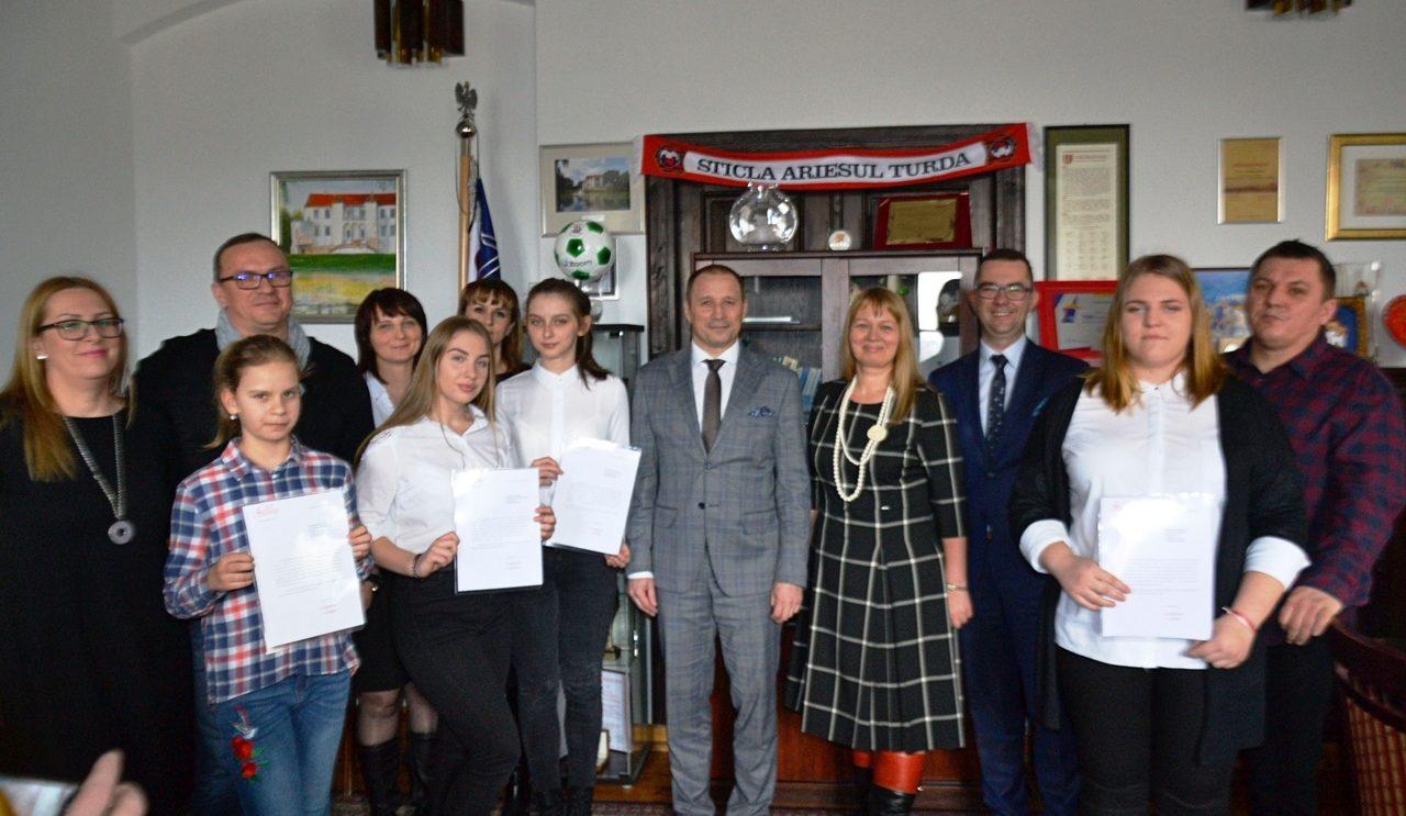 Burmistrz wręczył stypendia za wyniki w nauce