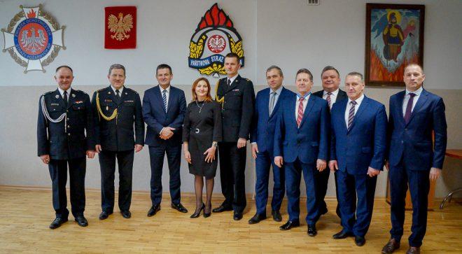 Paweł Sokół przyjął obowiązki komendanta szydłowieckiej straży pożarnej