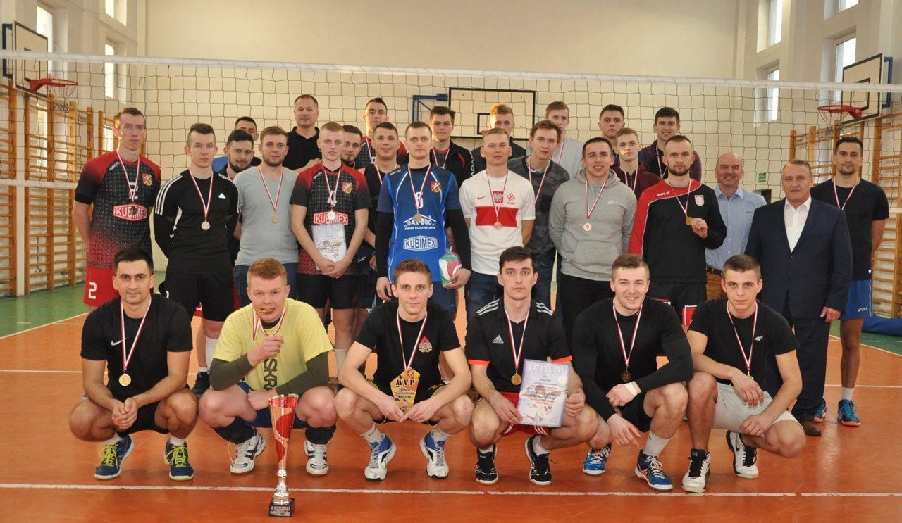 Siatkarze z Chlewisk wygrali w Orońsku