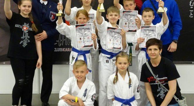 5 medali szydłowieckich karateków!