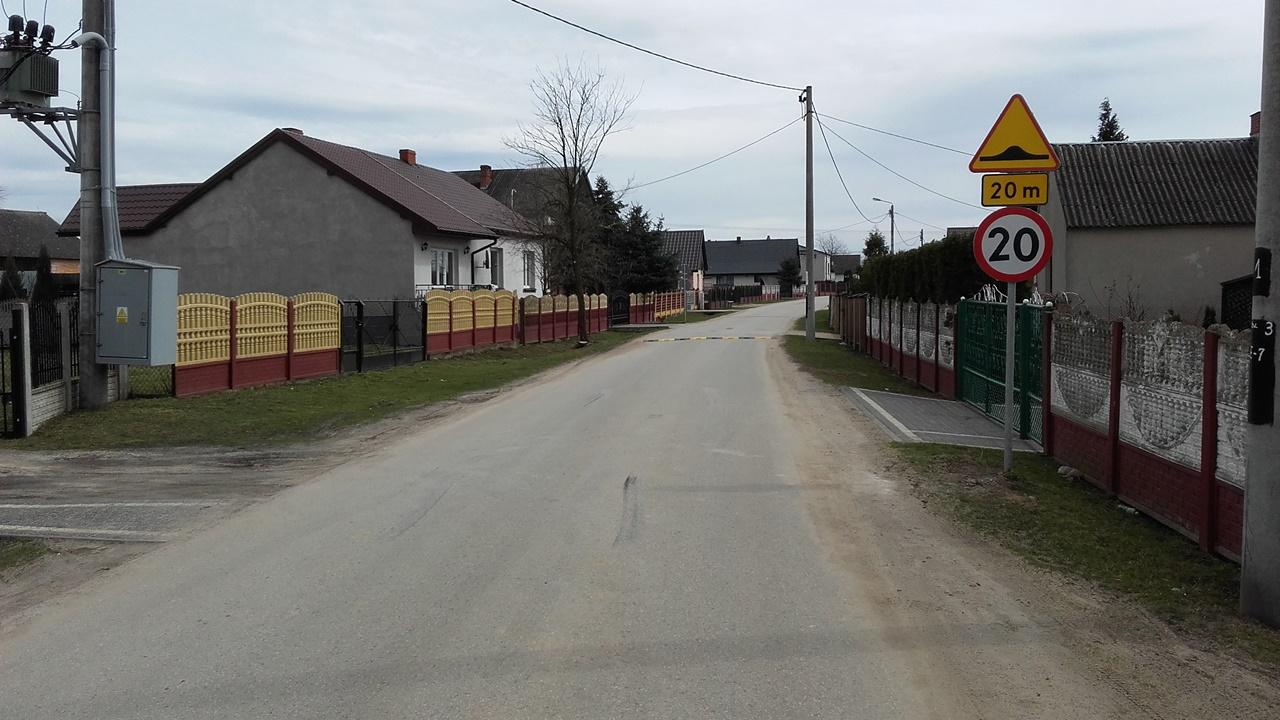Rozpoczęły się wiosenne porządki na gminnych drogach i ulicach