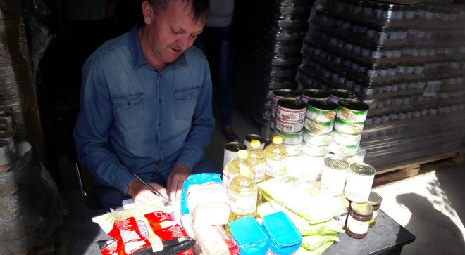 Szydłowieckie stowarzyszenie rozdawało żywność
