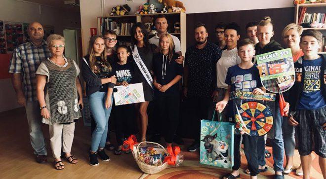 Charytatywny Szydłowiec i finalistka Miss Polski w odwiedzinach u dzieciaków
