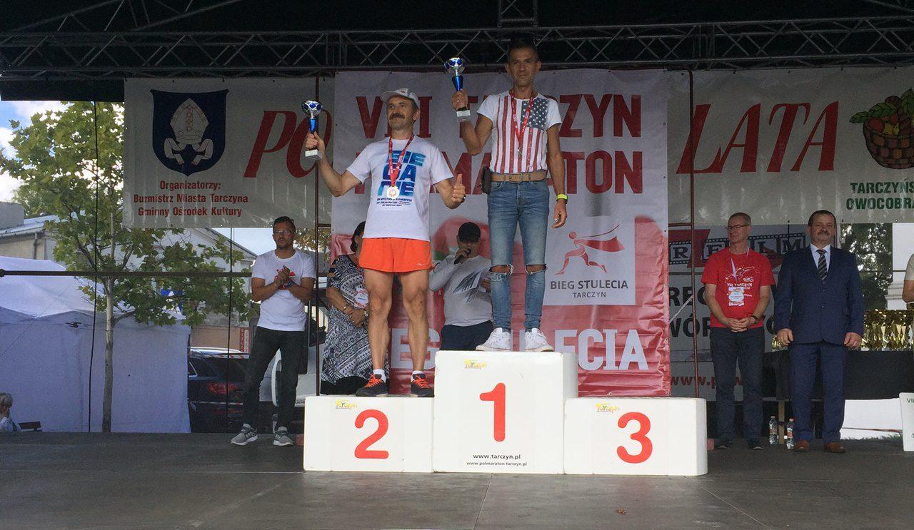 Tomasz Orman w czołówce półmaratonu w Tarczynie