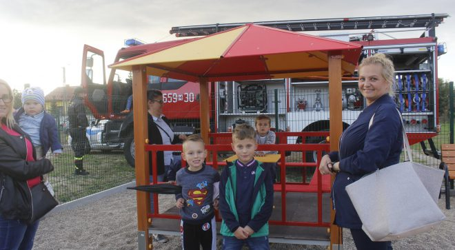 W Gąsawach Plebańskich otworzyli nowy plac zabaw