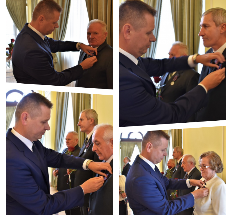 Członkowie szydłowieckiego koła Armii Krajowej z medalami