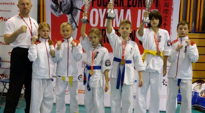 Trzy medale szydłowieckich karateków