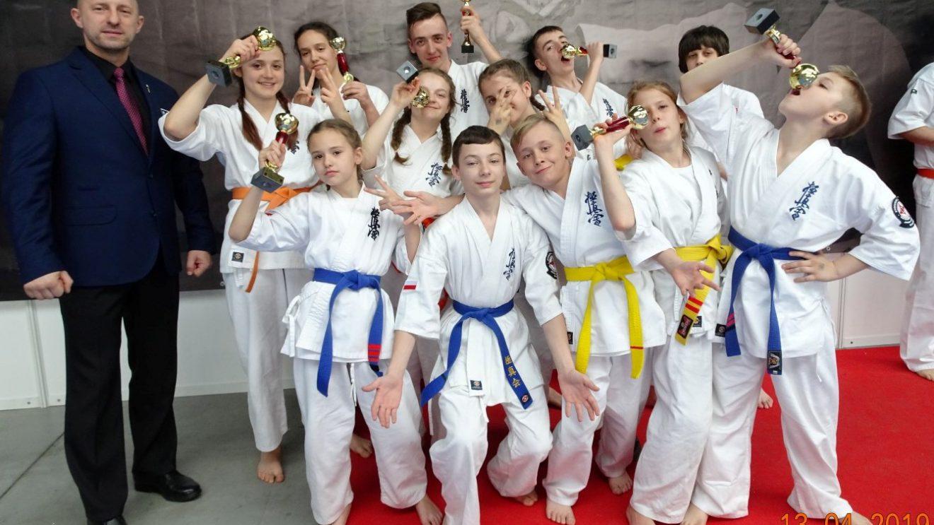 8 medali na turnieju w Kielcach