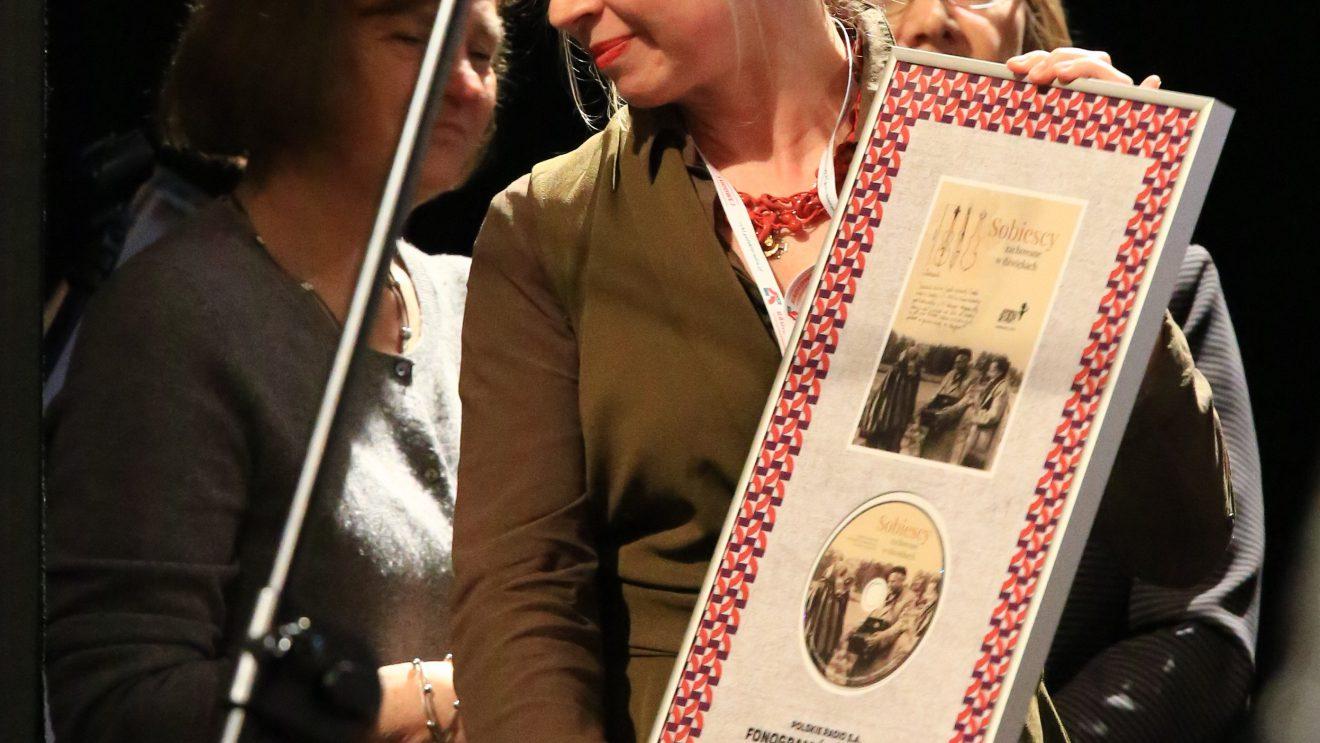 """Muzeum Ludowych Instrumentów Muzycznych w Szydłowu z nagrodą specjalną podczas 22. Festiwalu  Folkowego Polskiego Radia """"Nowa Tradycja"""""""