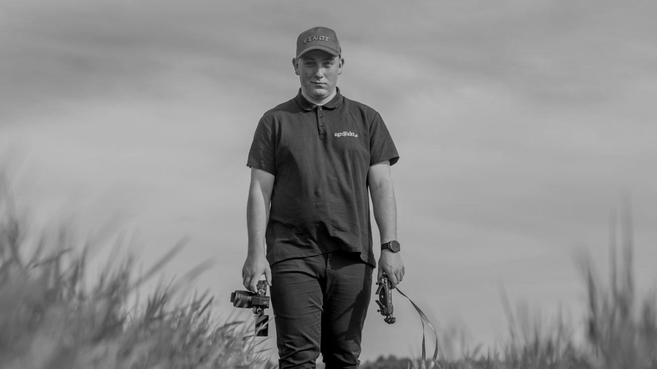 Z aparatem po polu – czyli o pasji Tomasza