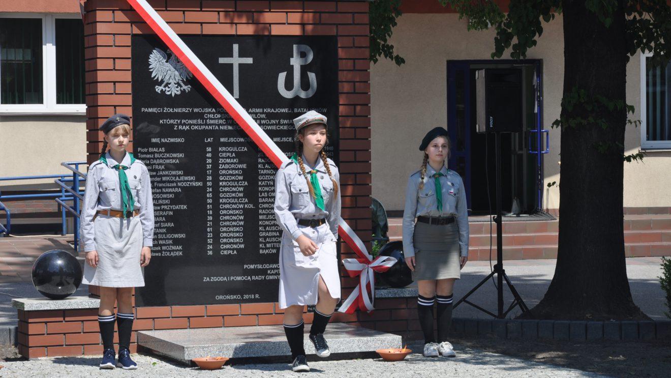 W Orońsku postawili pomnik upamiętniający ofiary II wojny światowej