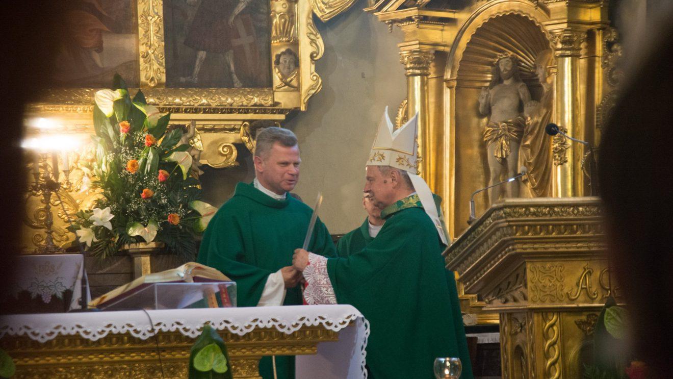 Szydłowiecka parafia ma nowego proboszcza
