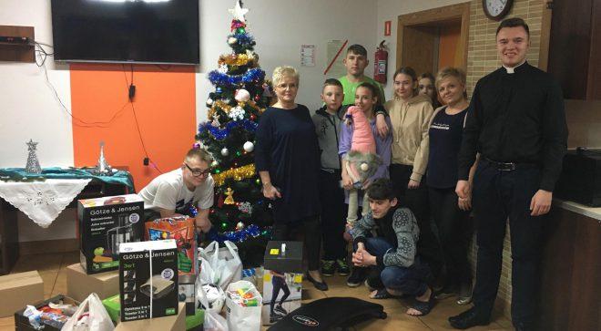 Świąteczne prezenty dla dzieci z Łazisk