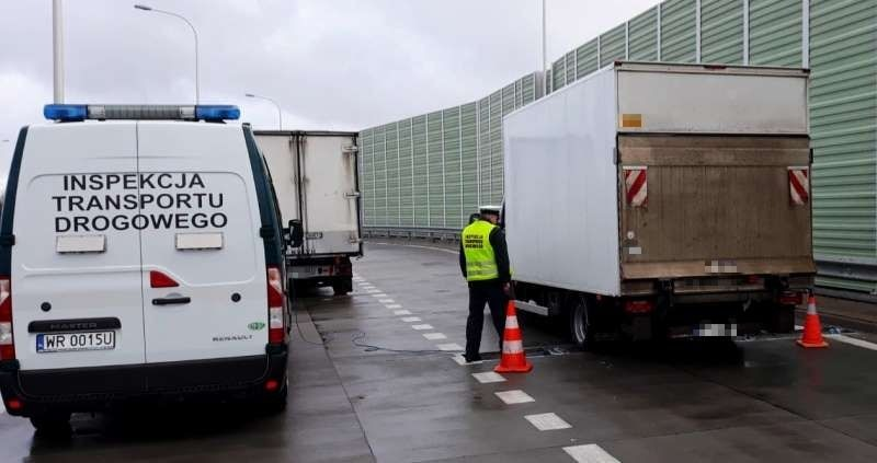 Inspekcja Transportu Drogowego zatrzymała ciężarówkę i busy