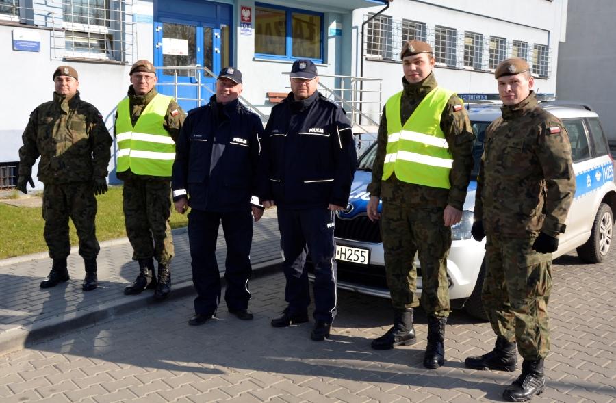 Szydłowieckich policjantów wspierają terytorialsi