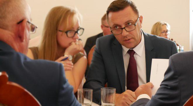 Radny Maciej Kapturski zadał ważne pytania