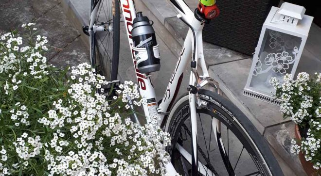 Rowerzyści z życzeniami dla rowerzystów