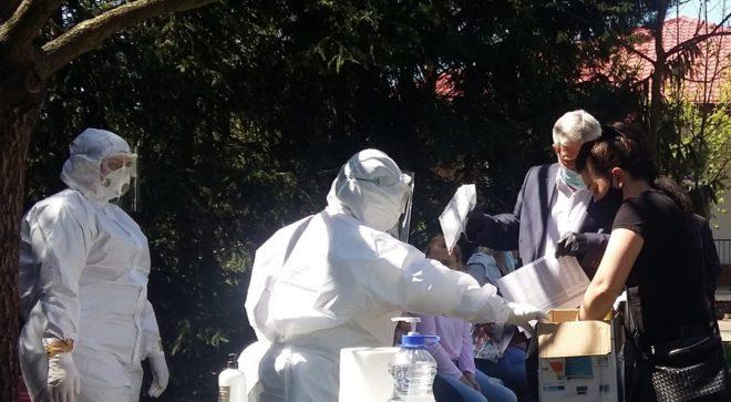 Personel DPS w Łaziskach i ZPO w Szydłowcu przebadany w kierunku koronawirusa