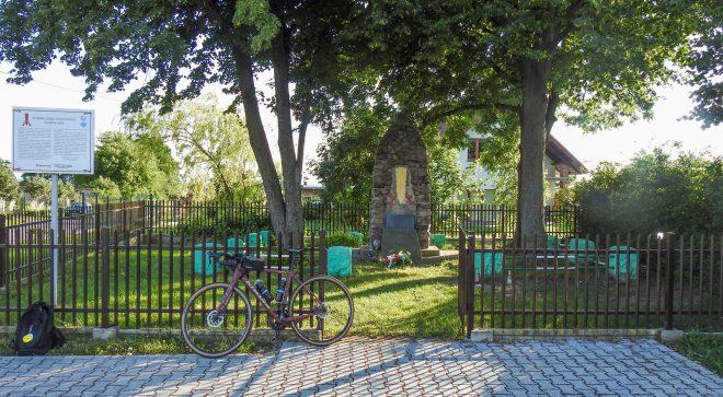 Pomnik Czynu Chłopskiego w Guzowie