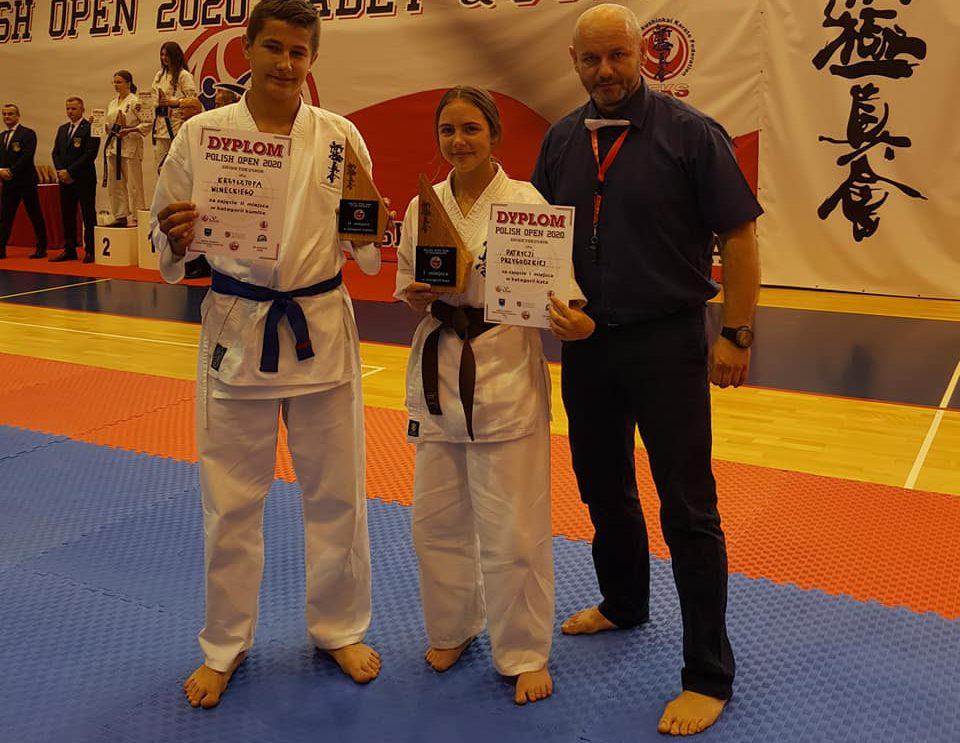 Nasi karatecy z medalami