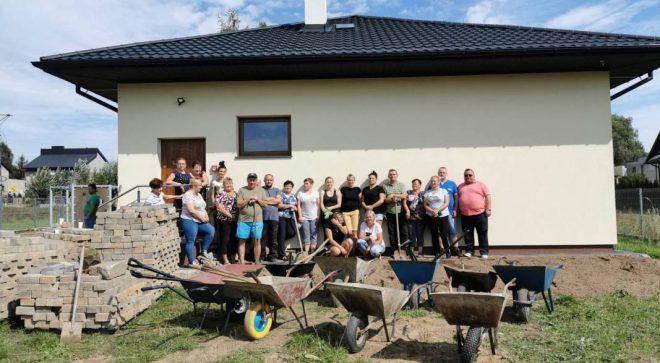 Wspólna praca mieszkańców Bieszkowa Dolnego