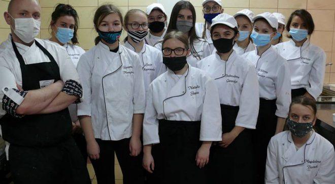 Kulinarna podróż po świecie uczniów ZS im. KOP