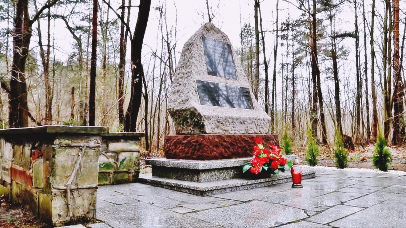 Pomnik w Korzonku odnowiony