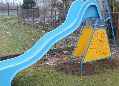 Nowe elementy na placu zabaw w Wysokiej