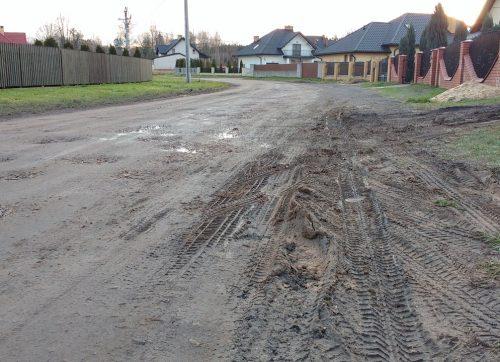 """Mieszkańcy osiedla """"Podzamcze"""" narzekają na stan dróg"""